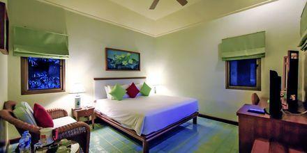Superiorrum i bungalow på hotell Samui Natien Resort på Koh Samui.