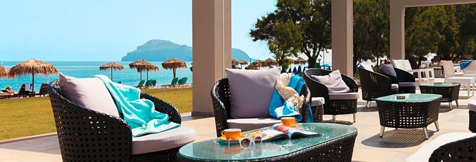 Poolbar på hotell Santa Helena Beach i Platanias på Kreta, Grekland.