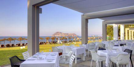 Restaurangen på hotell Santa Helena Beach på Platanias, Kreta, Grekland.