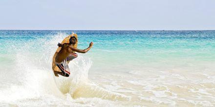 Surfing i Santa Maria på Sal, Kap Verde.