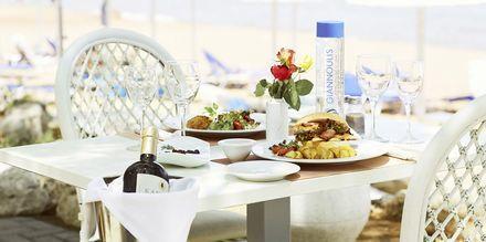 Taverna Sealine på hotell Santa Marina Beach på Kreta, Grekland.