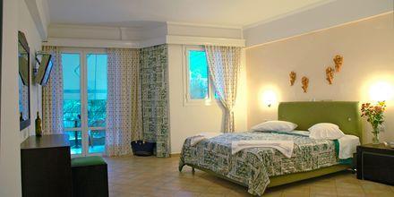 Enrumslägenhet på hotell Santa Maura på Lefkas, Grekland.