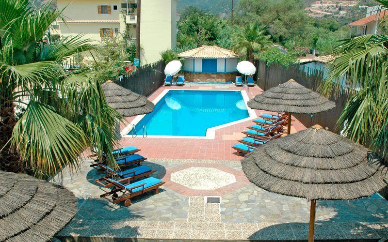 Poolområdet på hotell Santa Maura på Lefkas, Grekland.