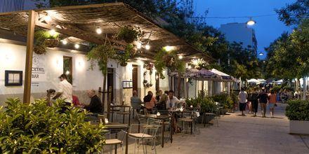 Palma är bara en kort resa från Santa Ponsa