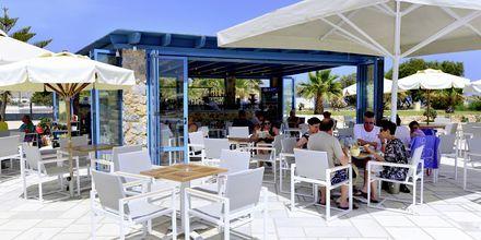 Snackbar på Santo Miramare Resort på Santorini, Grekland.