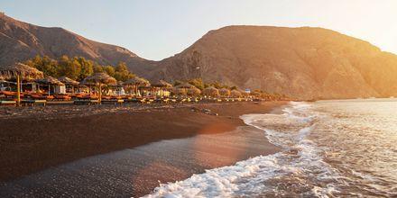 Perissa/Perivolos på Santorini, Grekland.
