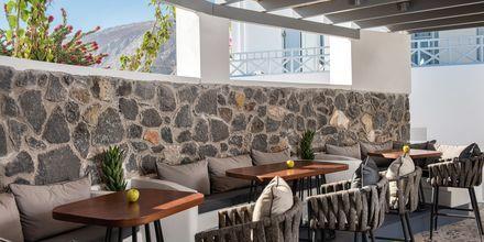 Bar på Santorini Kastelli Resort på Santorini, Grekland.