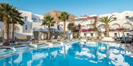 Poolområde på Santorini Kastelli Resort på Santorini, Grekland.