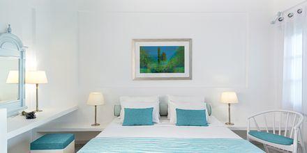 Junior svit på Santorini Kastelli Resort på Santorini, Grekland.