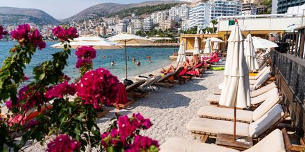 Strand i Saranda i Albanien.