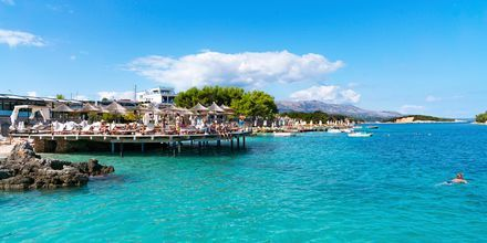 Stranden Ksamil i Albanien.