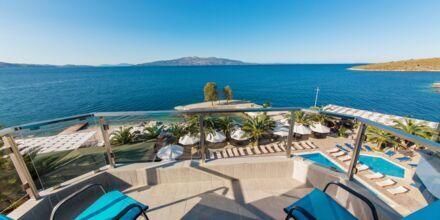 Dubbelrum med havsutsikt på hotell Saranda Palace i Albanien.