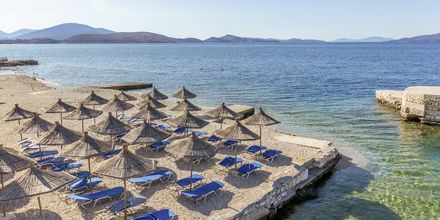 Stranden vid hotell Saranda Palace i Albanien.