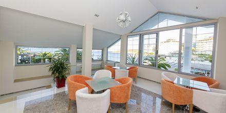 Lounge på hotell Saranda Palace i Albanien.