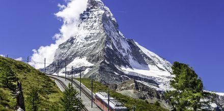 Matterhorn reser sig 4 478 meter över havet.