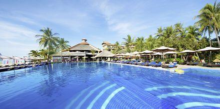 Poolområde på hotell Seahorse Resort & Spa i Phan Thiet, Vietnam.