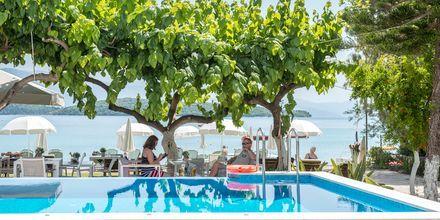 Pool på hotell Seaview på Lefkas.