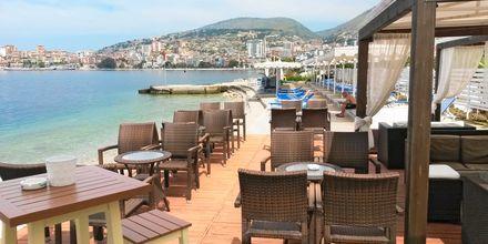 Bar på hotell Sejko i Saranda, Albanien.