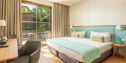 Dubbelrum med trädgårdsutsikt på hotell Sentido Galomar på Madeira, Portugal.