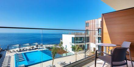 Dubbelrum med havsutsikt på hotell Sentido Galomar på Madeira, Portugal.