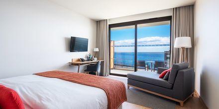 Dubbelrum med full havsutsikt på hotell Sentido Galomar på Madeira, Portugal.