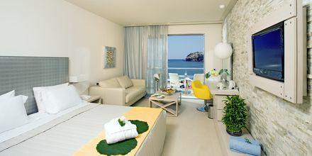 Dubbelrum med havsutsikt på Sentido Port Royal Villas & Spa .