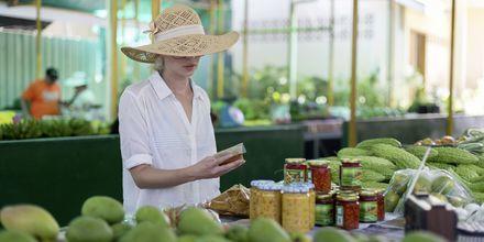 Marknaden Victoria på Mahé, eller Sir Selwyn Selwyn Clarke Market som den egentligen heter, är populär bland lokalbefolkningen.