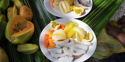 Under semestern på Seychellerna gör du bäst i att njuta av den färska, exotiska frukt som växer naturligt här.