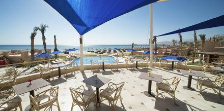 Poolbaren på hotell Shams Prestige Abu Soma i Soma Bay, Egypten.