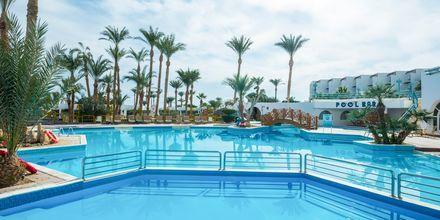 Poolområdet på hotell Shams Safaga Resort i Abu Soma, Egypten.