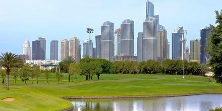 Passa på att golfa i Dubai, Förenade Arabemiraten.