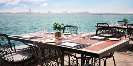 Utsikt från restaurangen La Veranda på Sheraton Grand Doha Resort.