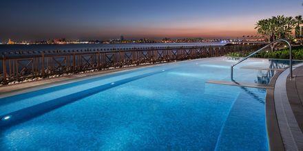 Pool vid Sheraton Grand Doha Resort.