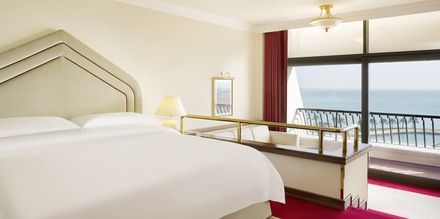 Deluxerum på Sheraton Grand Doha Resort.