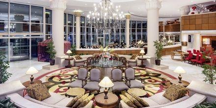 Lobby på hotell Sheraton Jumeirah Beach Resort i Dubai, Förenade Arabemiraten.