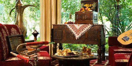 Al Hadiqa tält-bar på hotell Sheraton Jumeirah Beach Resort i Dubai, Förenade Arabemiraten.