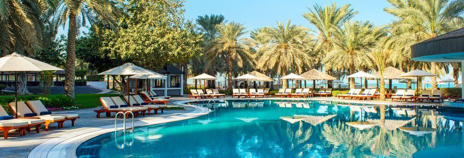 Poolområde på hotell Jumeirah Beach Resort i Dubai, Förenade Arabemiraten.