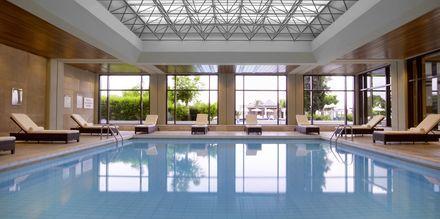 Inomhuspool på hotell Sheraton Rhodes Resort på Rhodos, Grekland.