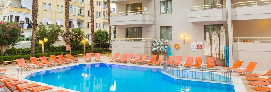 Poolområde på hotell Sifalar i Alanya, Turkiet.