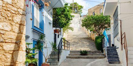 Den charmiga stadskärnan i Sitia på Kreta ligger på en höjd, med slingrande gränder och trappor.