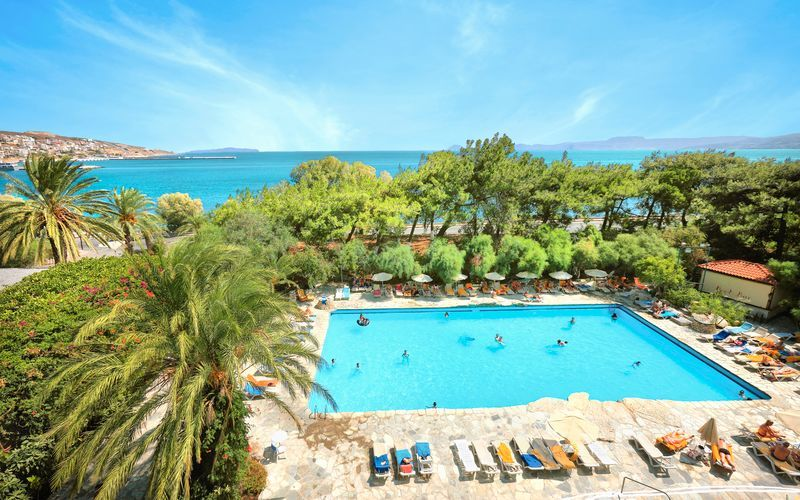 Pool på hotell Sitia Beach i Sitia på Kreta, Grekland.