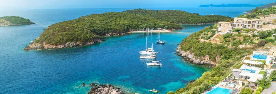 I Sivota hittar du Greklands finaste badvatten.
