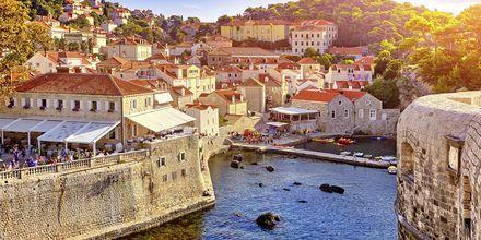 Gamla stan i Dubrovnik har flera byggnader i gotisk stil från 1200-talet.