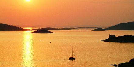Kornati består av över 140 obebodda öar med vita, kala klippor.