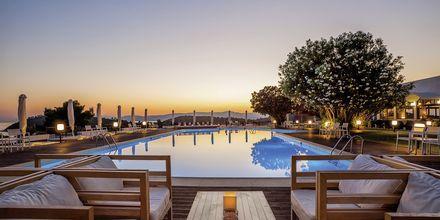 Poolområdet vid hotell Skiathos Palace, Grekland.