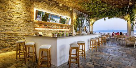 Poolbaren på hotell Skiathos Palace, Grekland.