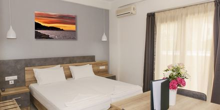Enrumslägenhet på hotell Smaragda Beach i Votsalakia på Samos, Grekland.
