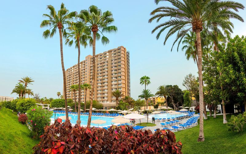 Poolområdet på hotell Sol Arona Tenerife i Los Cristianos, Teneriffa.