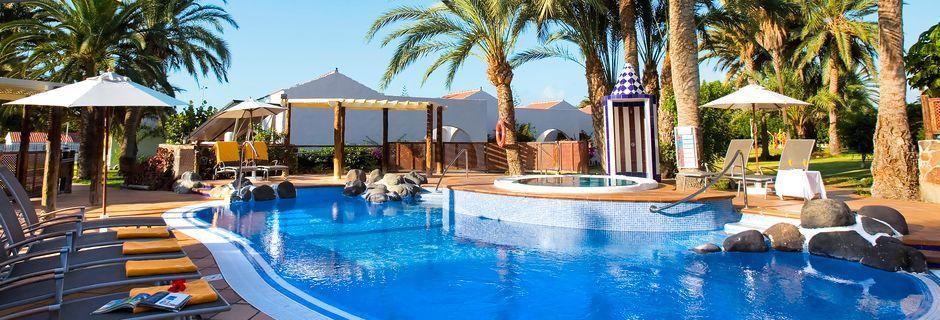 Lugna poolområdet som endast välkomnar vuxna gäster på Sol Barbacan, Playa del Inglés.