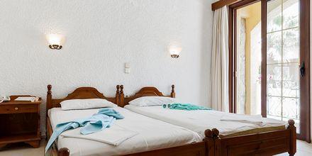 Tvårumslägenhet på hotell Sophia Beach i Platanias, Kreta.